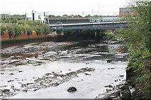 NS5566 : Low water, River Kelvin by Richard Sutcliffe