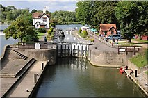 SU5980 : Lock on the Thames at Goring by Philip Halling