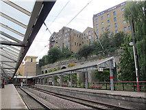 SE1633 : Bradford Forster Square: Platforms 1 and 2 by Stephen Craven