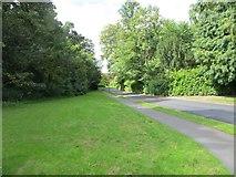 SO0660 : Entrance Road by Bill Nicholls
