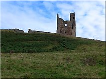 NU2521 : Dunstanburgh castle from the Northumberland Coast Path by Gordon Brown