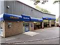 SO8405 : Kwik Fit, Stroud by Jaggery
