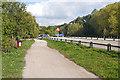 TQ0966 : River Thames path by Alan Hunt