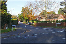 SU8064 : Tomlinson Drive, Finchampstead by Alan Hunt