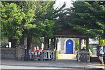 TQ2804 : Lych gate, St Andrew's Church by N Chadwick