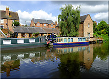 SO8171 : Moorings and apartments in Stourport, Worcestershire by Roger  Kidd