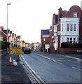 ST3087 : Temporary sign towards Friars Walk, Newport by Jaggery