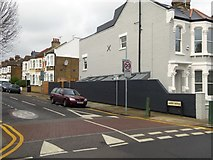 TQ2382 : The end of Linden Avenue on Mortimer Road by David Smith