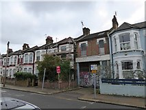 TQ2382 : Terraced houses in Mortimer Road by David Smith