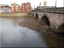 SO8454 : Debris against Worcester Bridge by Philip Halling
