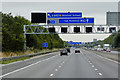 SE3425 : Sign and Signal Gantry over the Eastbound M62 by David Dixon