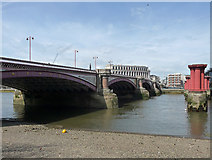 TQ3180 : Blackfriars Bridge by Stephen Richards