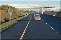 S6663 : M9 Northbound towards junction 6 by Ian S