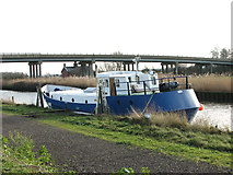 TM4599 : 771S moored by Haddiscoe Cut Bridge by Evelyn Simak