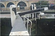 TQ2884 : View of Camden Lock from the Regents Canal towpath by Robert Lamb