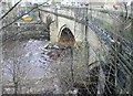 SE1021 : The upstream face of Elland River Bridge by Humphrey Bolton