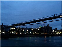 TQ3180 : Blackfriars Bridge by Alan Hughes