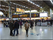 TQ2879 : The main concourse at Victoria Station by Rod Allday