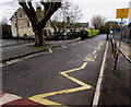 SO8005 : Zigzag yellow lines from the corner of Elm Road, Stonehouse by Jaggery