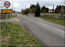 SO8700 : Start of the 30 zone at the eastern edge of Minchinhampton by Jaggery