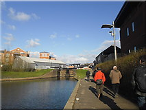 SO8453 : Walking between Diglis Top and Bottom Locks by Basher Eyre