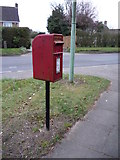 TL8364 : Elizabeth II postbox on Westley Road by JThomas