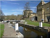 SE1039 : Bingley 3 Rise Locks by Graham Hogg