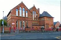 SJ9399 : Holy Trinity C of E Primary School by Gerald England