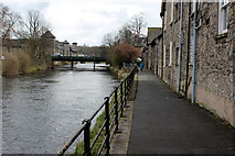 SD5193 : Approaching the Victoria Bridge in Kendal by Chris Heaton