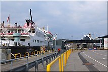 NM8529 : Oban Ferry Terminal by Jim Barton