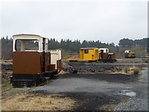 N1719 : Assorted peatland railway locomotives by Oliver Dixon
