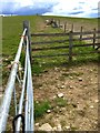 SS8585 : Gate and Fencing by Alan Hughes