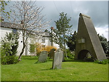 """TQ1289 : Pinner Churchyard and """"the coffin above the ground"""" by Marathon"""