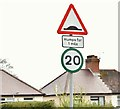 J3069 : 20mph speed limit sign, Finaghy, Belfast (May 2016) by Albert Bridge