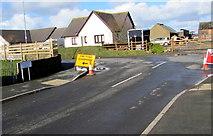 SM9310 : Gwyriad/Diversion sign facing Hillcroft, Johnston by Jaggery