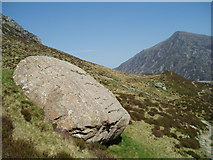 SH6459 : Glacial Erratic, Cwm Idwal by Chris Andrews