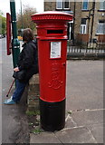 SE1734 : Edward VII postbox on Otley Road, Undercliffe by Ian S