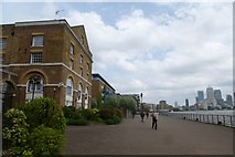 TQ3580 : Thames Path in Ratcliff by DS Pugh