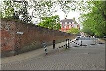 SU4828 : College Street, Winchester by Jim Barton