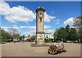 SP3265 : Clock and Log, Jephson Gardens by Des Blenkinsopp