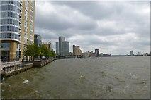 TQ3680 : Towards Canary Wharf pier by DS Pugh