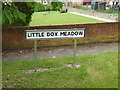 TM1048 : Little Box Meadow sign by Adrian Cable