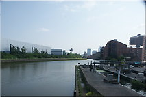 TQ3882 : View along the River Lea from the raised pathway at the confluence with the Limehouse Cut #2 by Robert Lamb