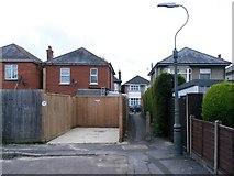 SZ0794 : Ensbury Park: footpath U34 to Draycott Road by Chris Downer