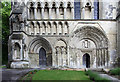 TL0221 : St Peter, Dunstable Priory - West front by John Salmon