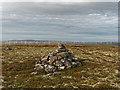 NH7026 : Cairn on Carn na Farr' Bheinne by valenta