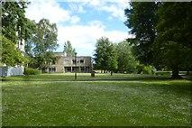 SE6250 : Derwent A block lawns by DS Pugh