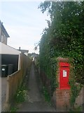 SZ0895 : Redhill: footpath O13 to Pine Vale Crescent by Chris Downer