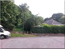 SZ0895 : Redhill: the top of Park Lane and footpath O10 by Chris Downer