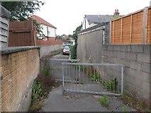 SZ0995 : Moordown: footpath M13 towards Redbreast Road by Chris Downer